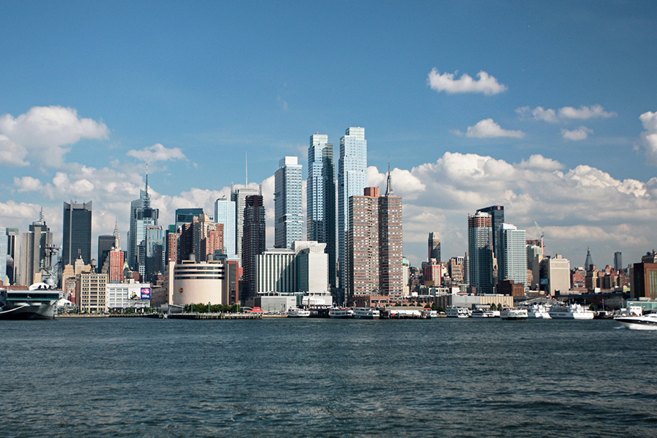 Luxury rental apartments new york city river place for Silver towers leasing office